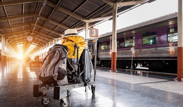 【無料配送】自宅~空港間のスーツケースはアメックスで無料郵送する