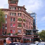 絶対行くべき!シドニーのキングスクロスホテルは最高の空間と料理を提供