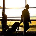 空港でスーツケースを早く受け取る方法